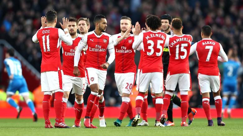 Arsenal Diramal Bisa Jadi Juara Liga Inggris Musim 2016/2017