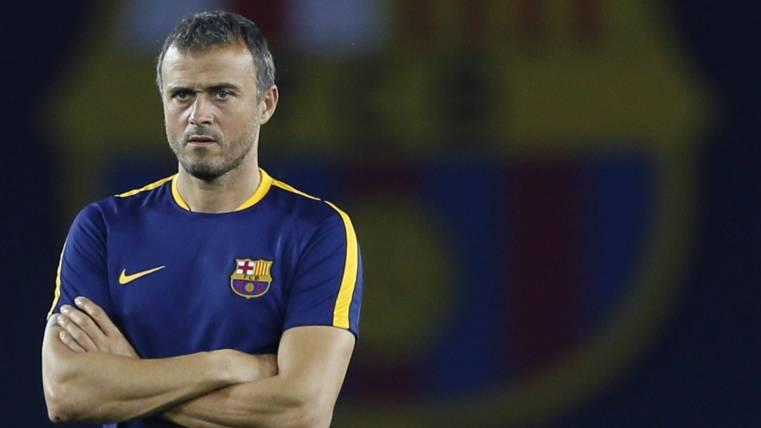 Luis Enrique mengumumkan keputusan untuk mundur sebagai bos Barcelona