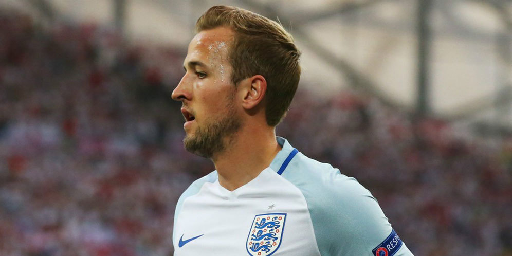 Tribute Kane Untuk Sang Legenda Timnas Inggris, Rooney