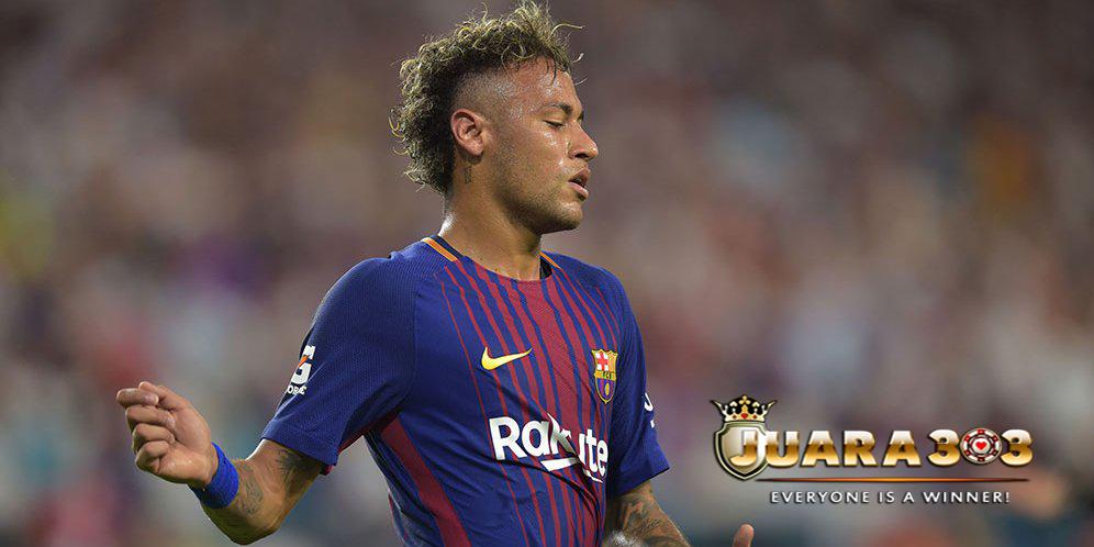 Poster Penghianat Neymar Bertebaran di Barcelona