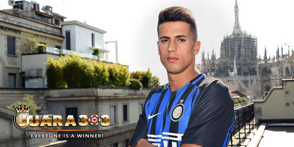 Bek Anyar Inter Pakai Nomor 7 Karena Pilihan Ibunya