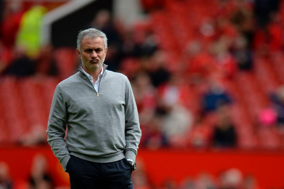 Menang, Mourinho Tapi Komplen Fans MU
