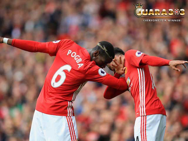 SANG LEGENDA MANCHESTER UNITED